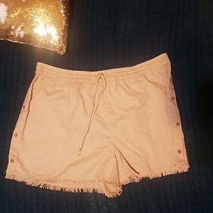 Derek Heart plus size linen short w/button detail